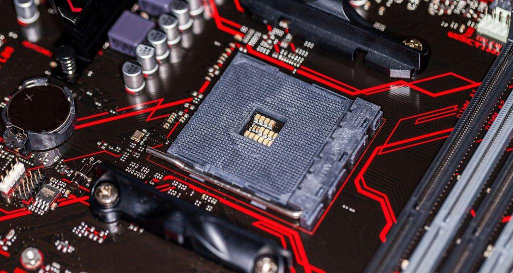CPU 與主機板的特寫。